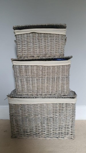 Wicker Storage Hamper With Lid in colour Antique Wash