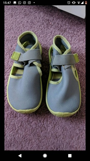 Boys beach shoes size 10