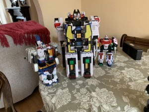 X3 power ranger megazord parts missing but still good for kids to use