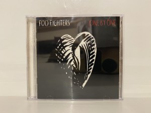 CD Foo Fighters Collection Album One By One Limited Edition Genre Rock