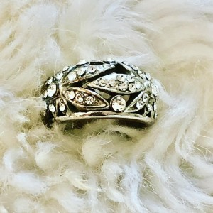 Vintage Style Silver Tone Bling Leaves Ring U.K. Size S-T Party Dinner