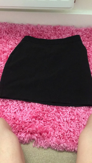 Black skirt. From new look. 10 years.£10:00