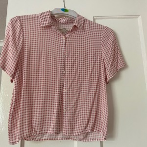Pull and bear top size small