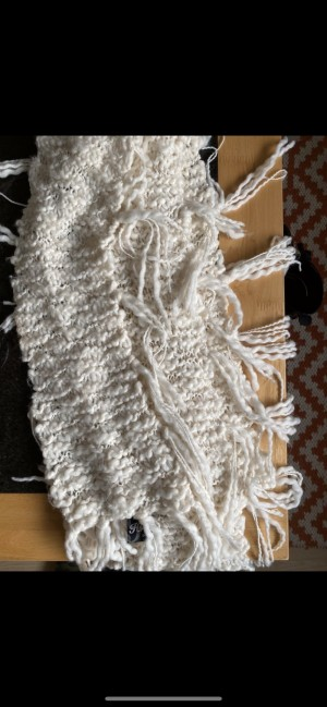 Hooch wool scarf with fringe detail