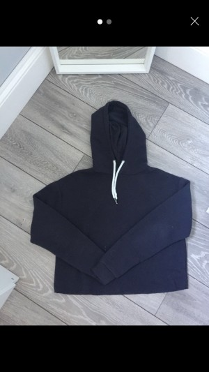 Cropped navy hoodie size 8
