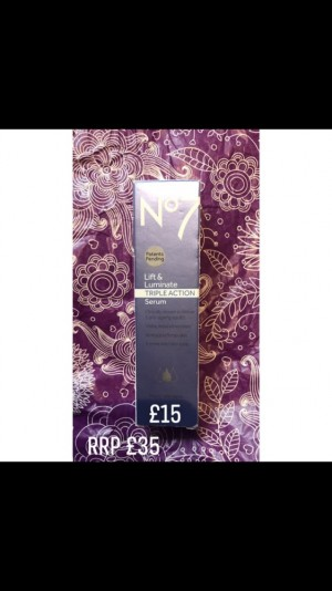 No7 lift and luminate Triple Action Serum
