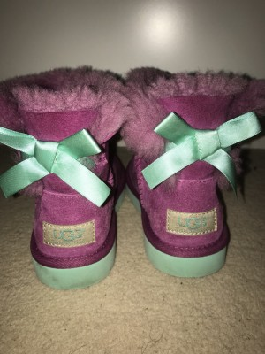 Genuine mini bailey ugg boots size infant 11 eu 29