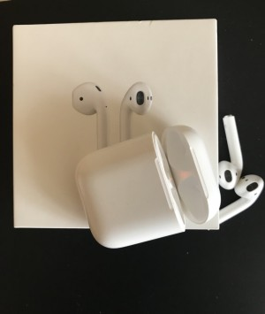 Original Apple Airpod (MINT)