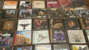 selling music cds all  types basta rims good condition