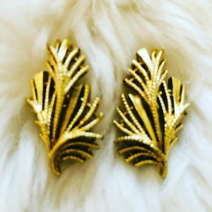 Vintage Gold Tone Palm Tree Leaves Clip On Earrings Holiday Dinner Jew