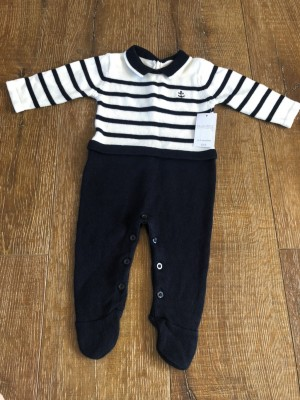 0-3m knitted baby onezie