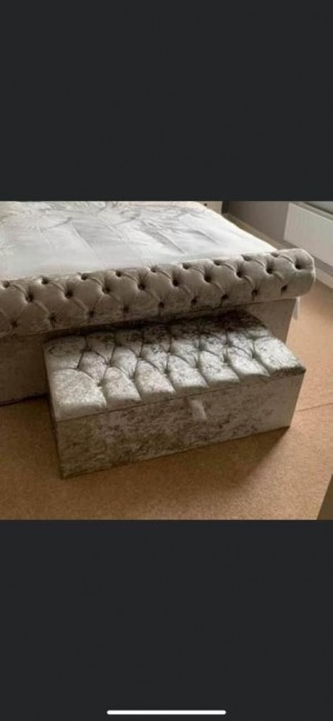 Bed room stool