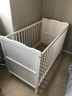 White baby cot great condition