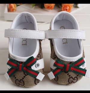 BNWT baby girls soft sole shoes