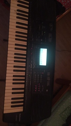 Electric keyboards and electric guitar for sale or swap