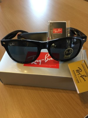Ray ban black shiny wayfarers sunglasses brand new