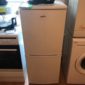 Fridge freezer for sale, excellent condition and excellent working order, ONLY DELIVERING TO TYNE AND WEAR AND NORTHUMBERLAND AT SMALL COST
