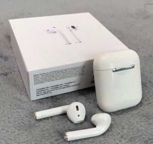 Apple AirPods first gen