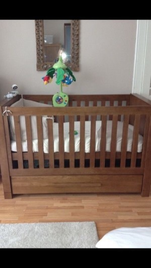 VIB moderno cot bed - solid, quality bed (original cost was per £600)
