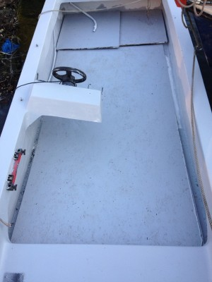 15ft dory has steering no engine perfect for fishing.