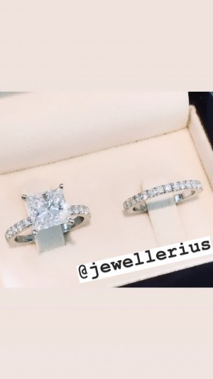 Gorgeous engagement ring Brand New