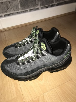 Nike air max 95 (110) and Nike air max 97 both in great condition and both UK SIZE 9 can sell together or separately