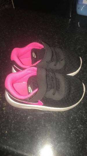 Nike toddler shoes size 5.5
