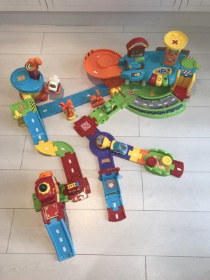 VTech Toot-Toot drivers garage and accessories