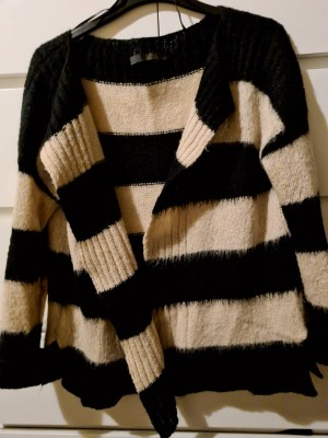 Guess cardigan one size