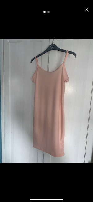 Women's size 6 pretty little thing dress