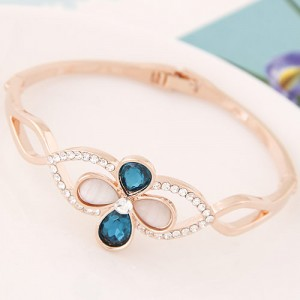 Sweet Blue Clover Shape Bangle