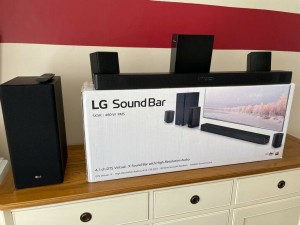 LG sound bar w/ subwoofer