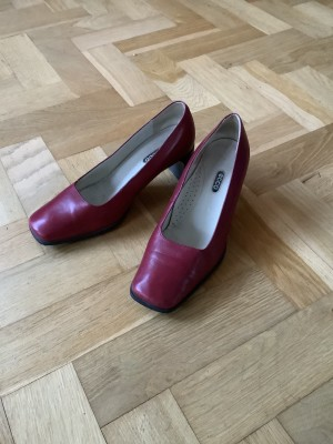 Women's ECCO leather heeled shoes