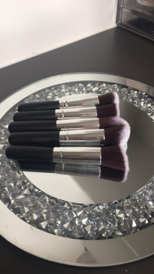 Mini makeup brushes can post for extra !