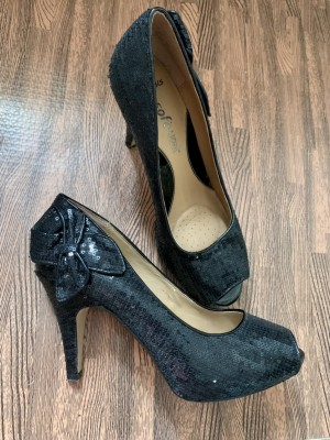 Clarks black sequin heels with bow size 5