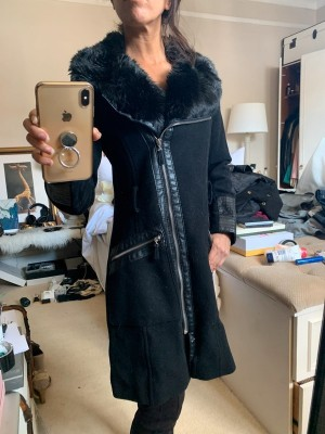 Elegant wool winter jacket with faux fur and leather details