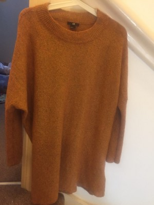 am orange top, which will look fabulous on everyone including you!!