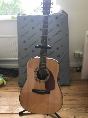 Fender CD-014S Nat for sale including stand mint condition happy to accept offers