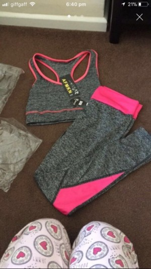 Ladies two piece gym outfit