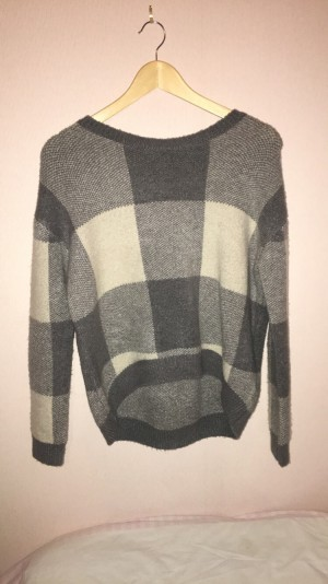 Atmosphere Grey and Cream Checked Jumper Size 8