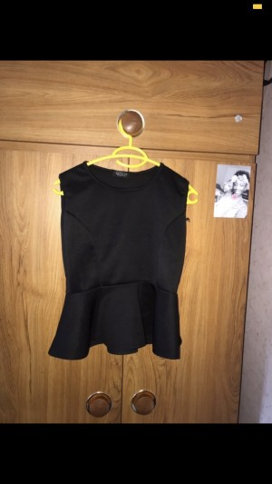 Black Top. Size 6