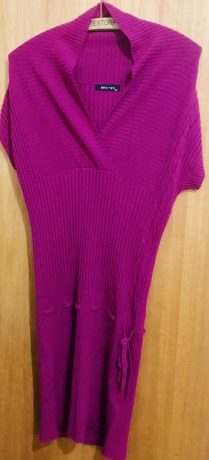 Ladies Woolen One Size Dress by T U.  Worn once, laundered - in mint c