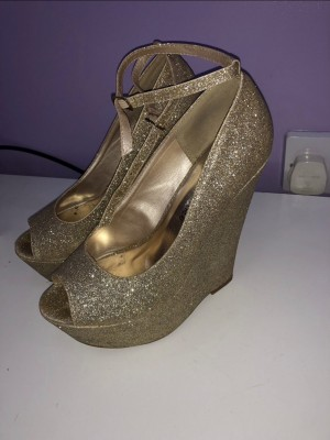 Sparkly Gold Heels/Wedges Size 6