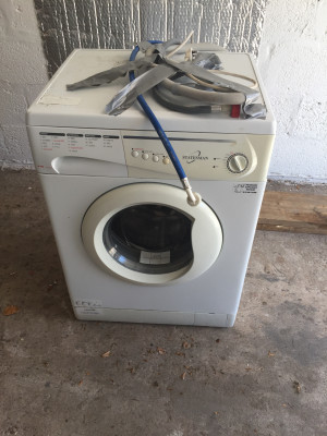 Washing machine good working order £45 call or text for more information also can deliver at a extra cost but will go in back if car