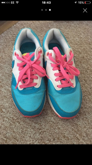 Nike air max size 3.5 worn few marks still good condition..£20 but will except offers