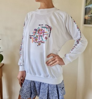 Vintage C&A sports sweater with motif and floral arm design