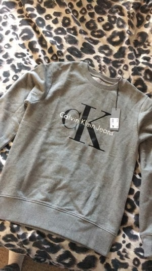 Calvin Klein Grey jumper / Sweatshirt