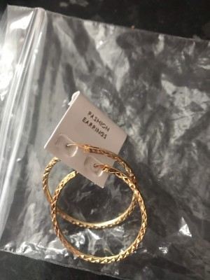 Ladies new hoop gold colour fashion earrings