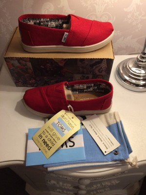 Brand New Kids Red Classic Toms UK Size 12