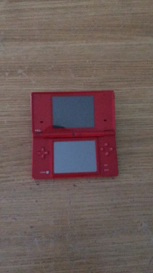 Nintendo DSI with case, 2 games and X2 stylus